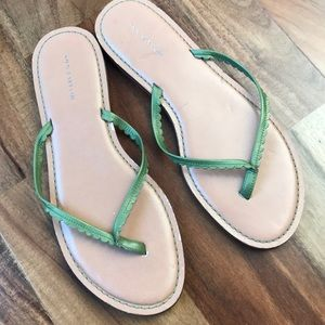 Ann Taylor lime green leather thong flip flops